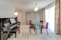 Mise en valeur piano Steinway et papier peint Missprint