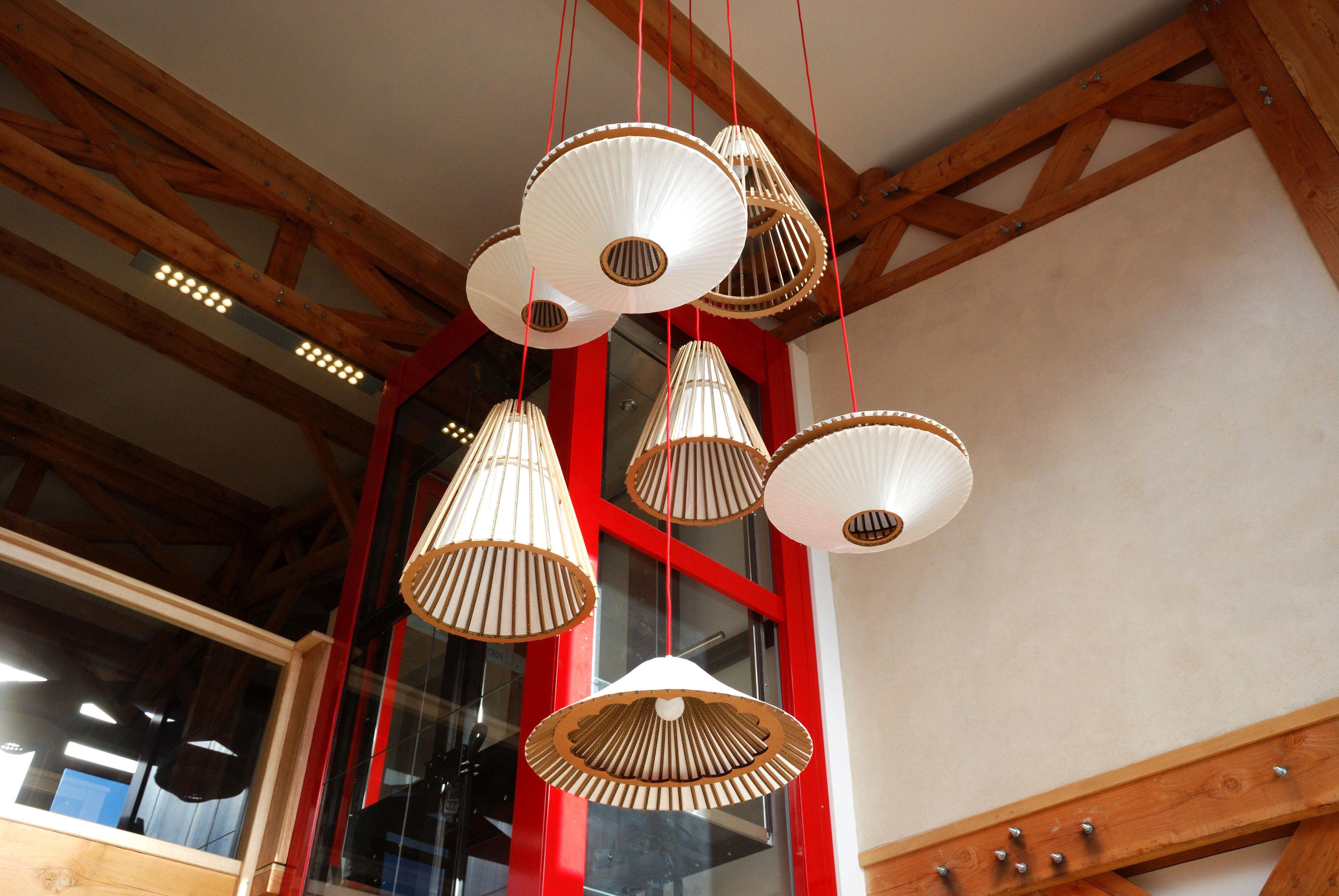 Suspension Hauteur Sous Plafond création d'une suspension géante en matériaux naturels– hall
